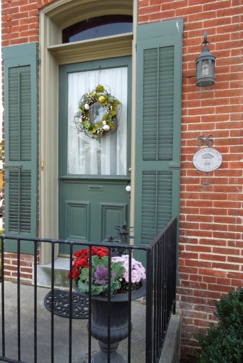 Green Door Wreath www.GraceElizabeths.com
